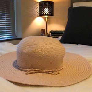 LOFT - light pink floppy hat
